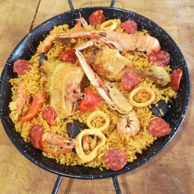 Paella maria poulets et crustaces